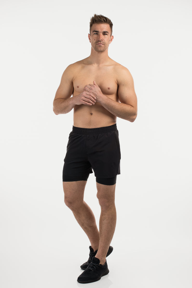 Maverick Short in Black - image no.2