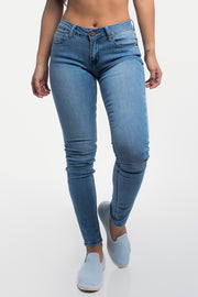Slim Athletic Fit in Light Wash