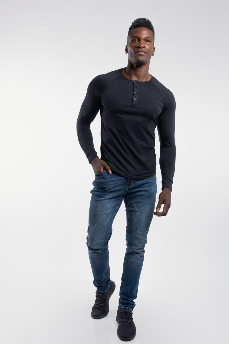 Scout Henley in Black - image no.4