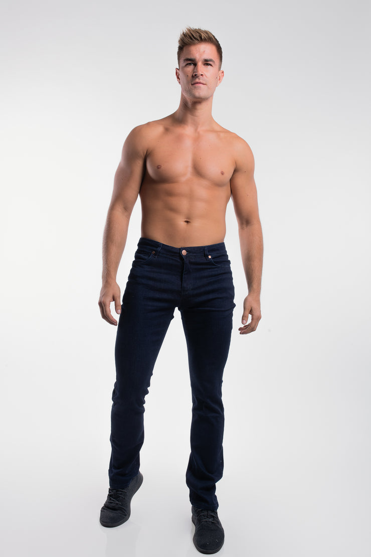 Boot Cut Athletic Fit in Dark Rinse - image no.4