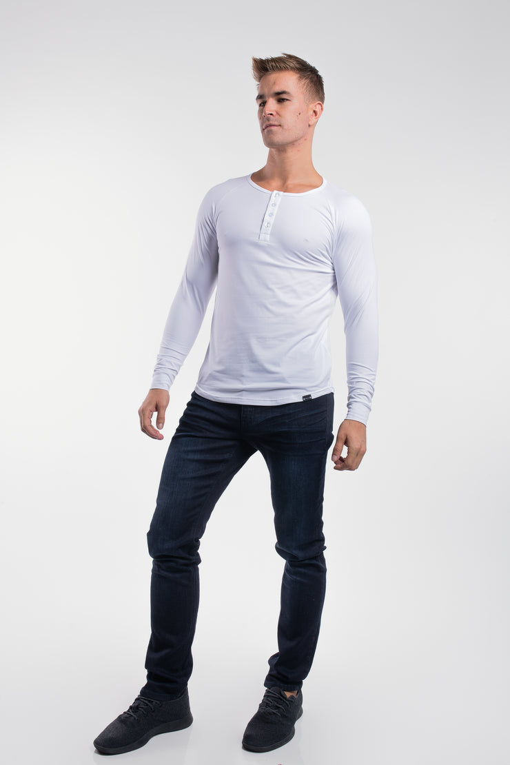 Scout Henley in Arctic White - image no.2
