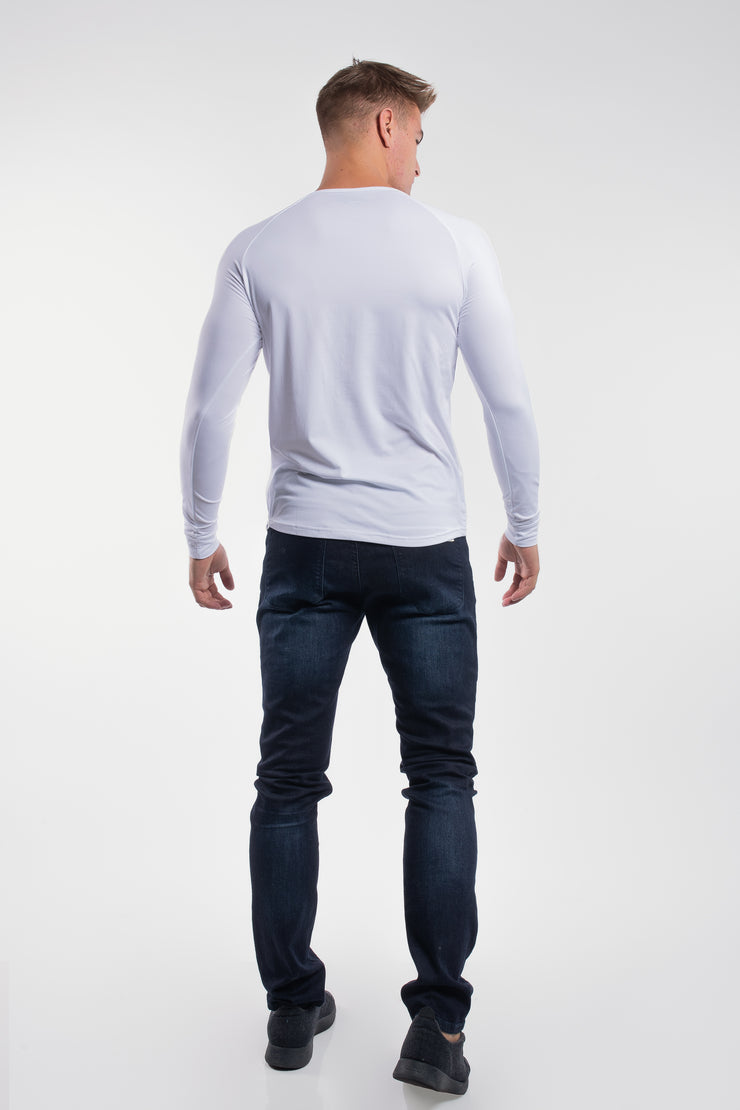 Scout Henley in Arctic White - image no.3