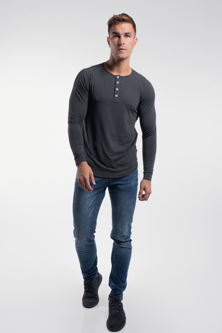 Scout Henley in Charcoal - image no.4