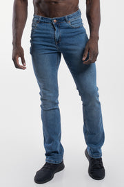 Boot Cut Athletic Fit in Light Wash - thumbnail image no.1
