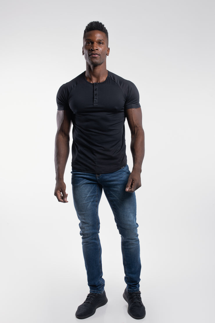 Scout Short Sleeve Henley in Black