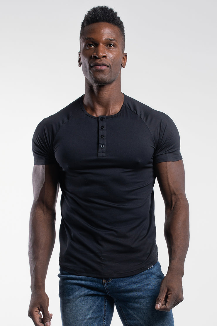 Scout Short Sleeve Henley in Black - image no.1