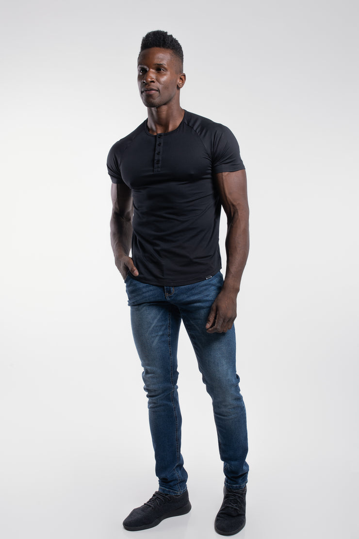 Scout Short Sleeve Henley in Black - image no.2