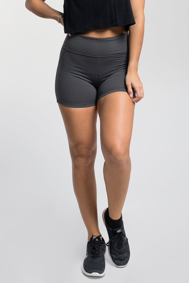 Stayput Short in Charcoal