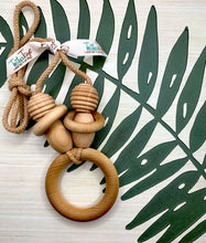 Load image into Gallery viewer, The Original Organic TeetherToys® MOMMY-RING TEETHER NECKLACE