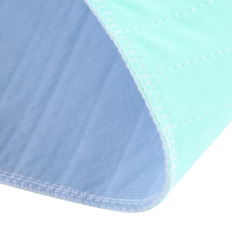 a closer look on the fabric of the Elderly Incontinence Reusable Waterproof Bed Pad.