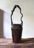 k0403 天然木手付き花籃 【Bamboo flower basket with wooden handle】