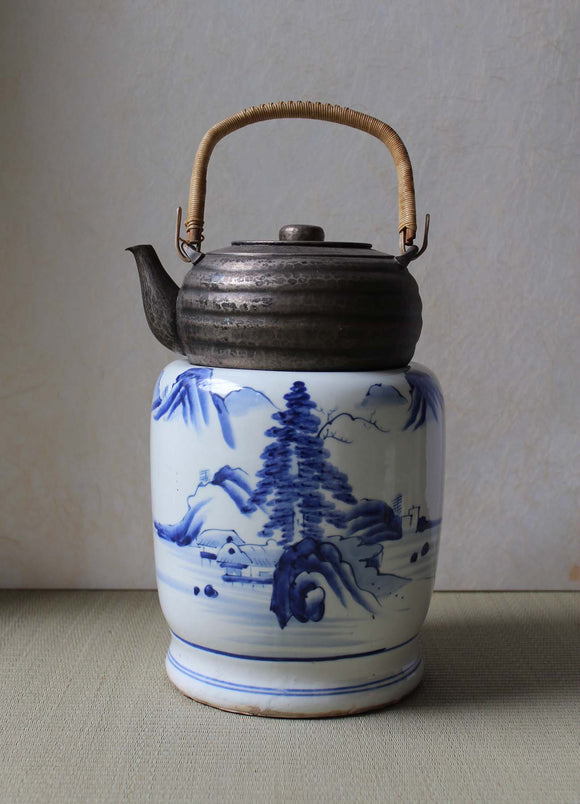 s1370 染付火鉢 山水図 【Blue and white brazier】