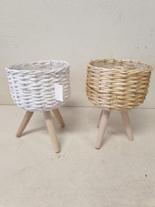 Small woven planters
