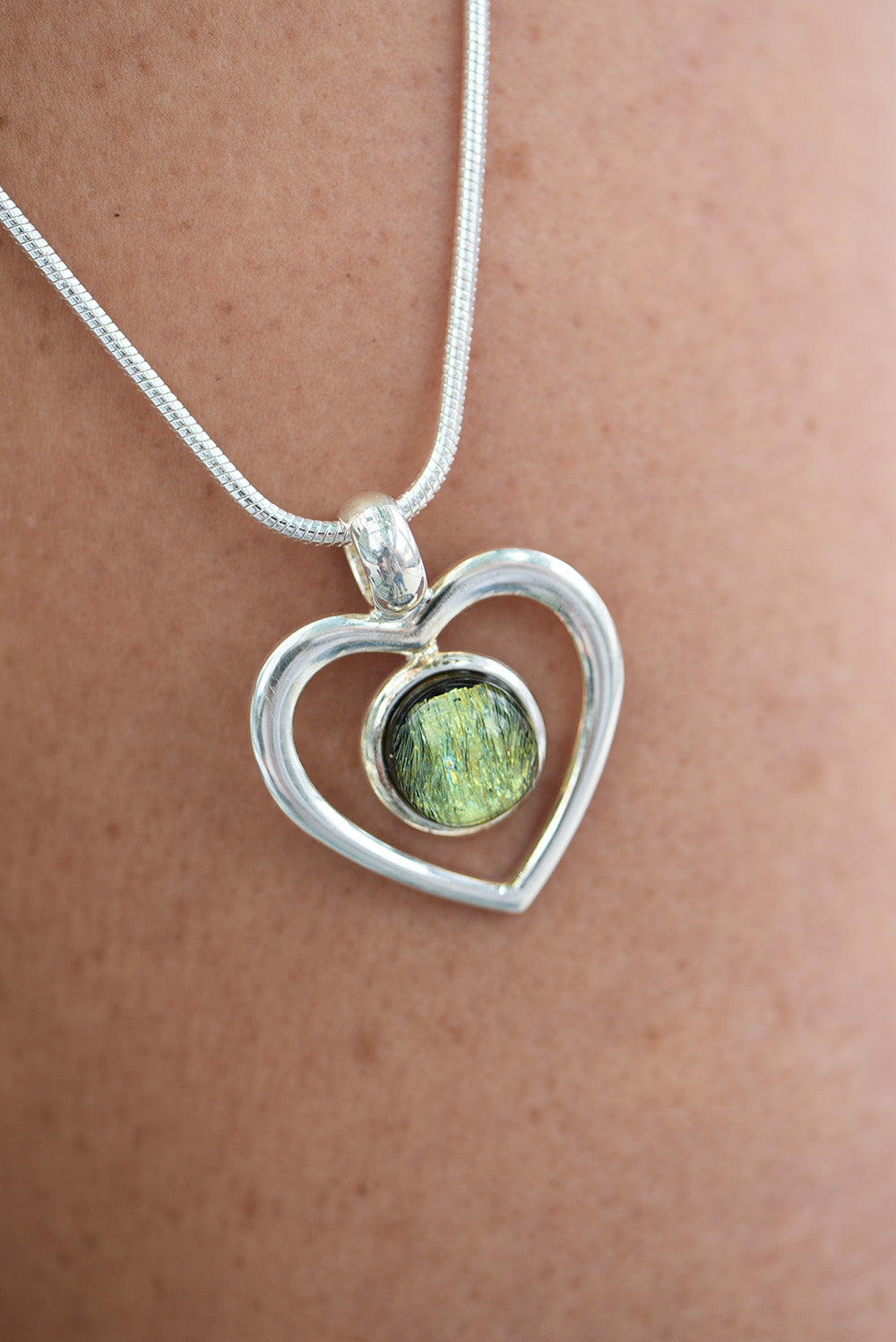 Bede Glass - Large Glass Heart Pendant - Green