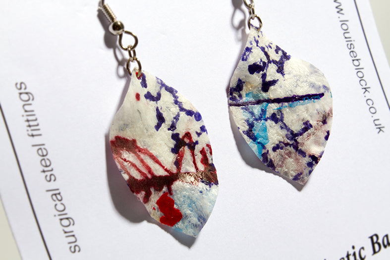 Louise Block Earrings Leaf Blue/Red