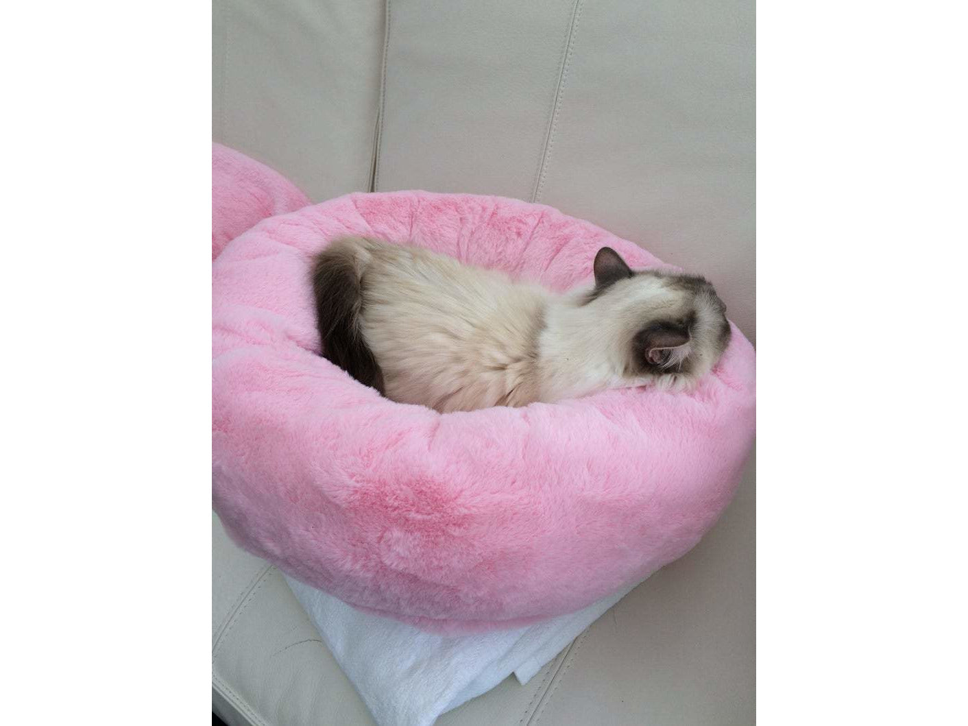 Luxury Donut Bed for Cats and small Dogs