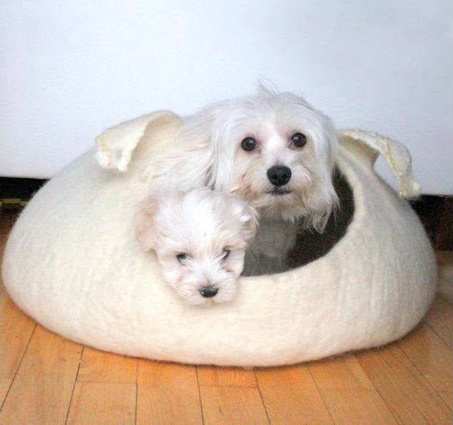 Curly Q Wool Pet Bed