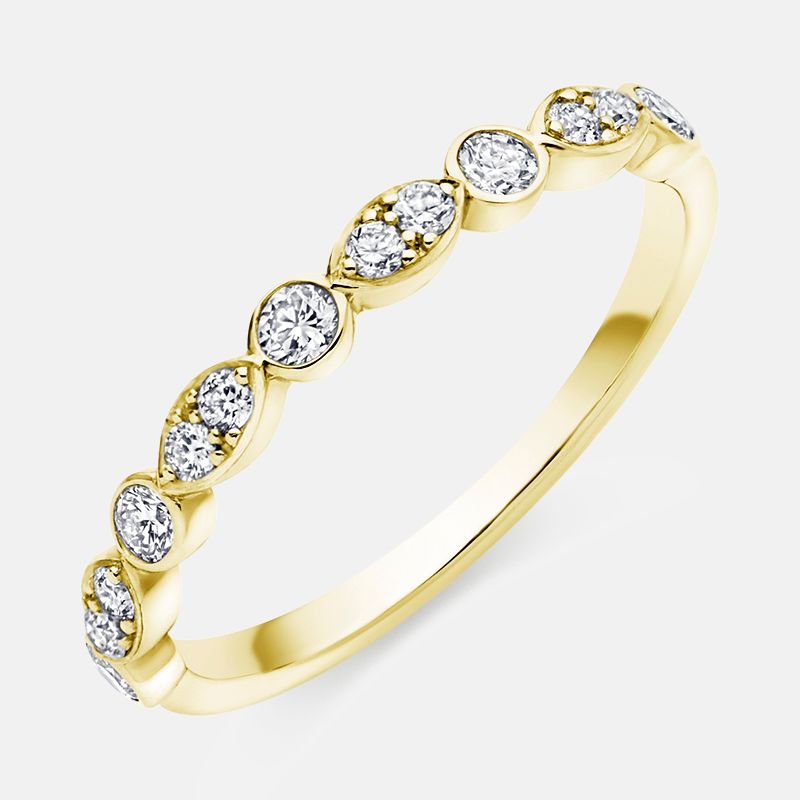 0.35ct Diamond,<br> Grain and Rubover Set,<br> 18k Yellow Gold Wedding Ring