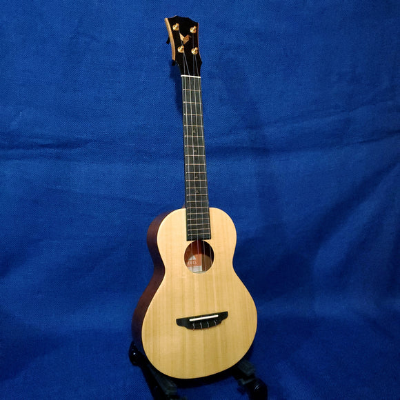 The Rebel Tenor Double Cheesecake All Solid Spruce / Mahogany Ukulele w/ Bag U856