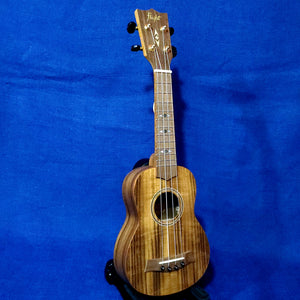Flight Soprano DUS460 Laminate Acacia Ukulele w/ Bag i102