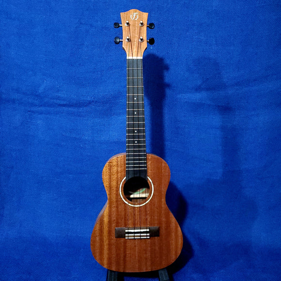 Flight Concert Antonia C Solid Mahogany Top / Laminate Mahogany Back & Sides Ukulele w/ Bag i139