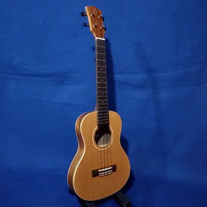 Flight Tenor Slimline Leia TE Blem Solid Cedar Top / Laminate Acacia Back & Sides A/E Ukulele w/ Bag i166