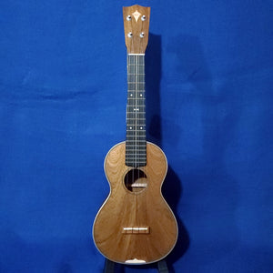 "Martin Custom Shop Concert Style 3 ""Modern Vintage"" Model All Solid Sinker Mahogany / Maple Accents / Bowtie Inlay Made in America Ukulele w/ Case i481"
