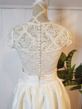 Load image into Gallery viewer, Button Back Bridal Topper in 'Ivory' Lace