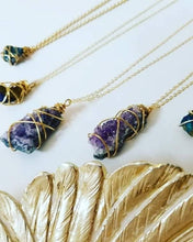 "Load image into Gallery viewer, Galaxy Necklace with a Raw 'Amethyst' Gemstone on a 24""- 32"" Fine Gold Cable Chain"