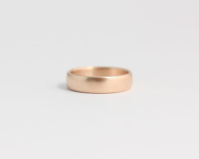 Rounded Ethical Rose Beach Gold Band - Medium, [product_type} - Ash Hilton Jewellery