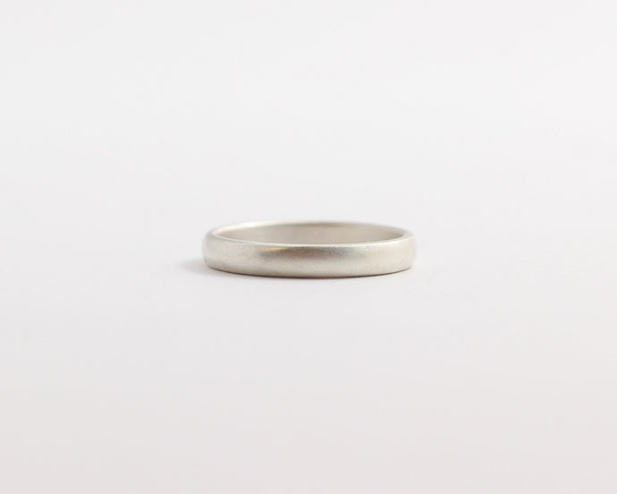 Rounded Ethical White Beach Gold Band - Narrow, [product_type} - Ash Hilton Jewellery