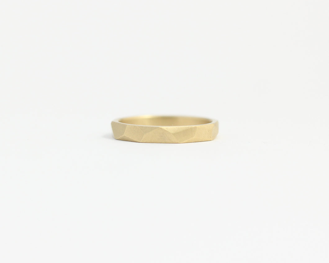 Asymmetrical Facets Ring in Yellow Gold - Narrow, [product_type} - Ash Hilton Jewellery
