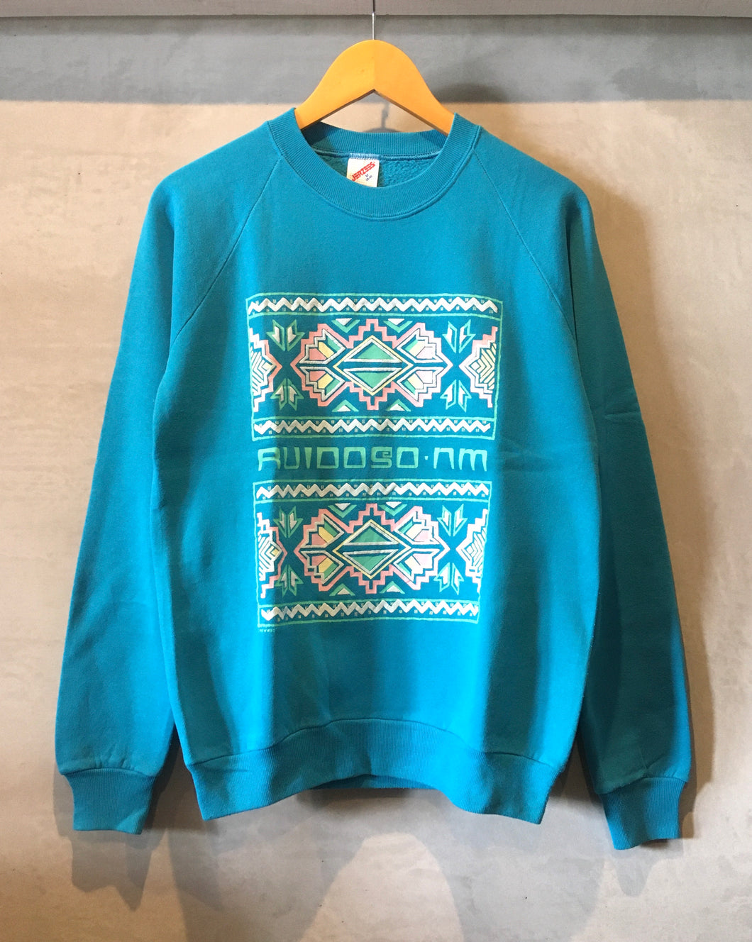 JERZEES-Native print sweat-(size M38-40)Made in U.S.A.