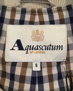Aquascutum-Swingtop-(size S) Made in TURKEY
