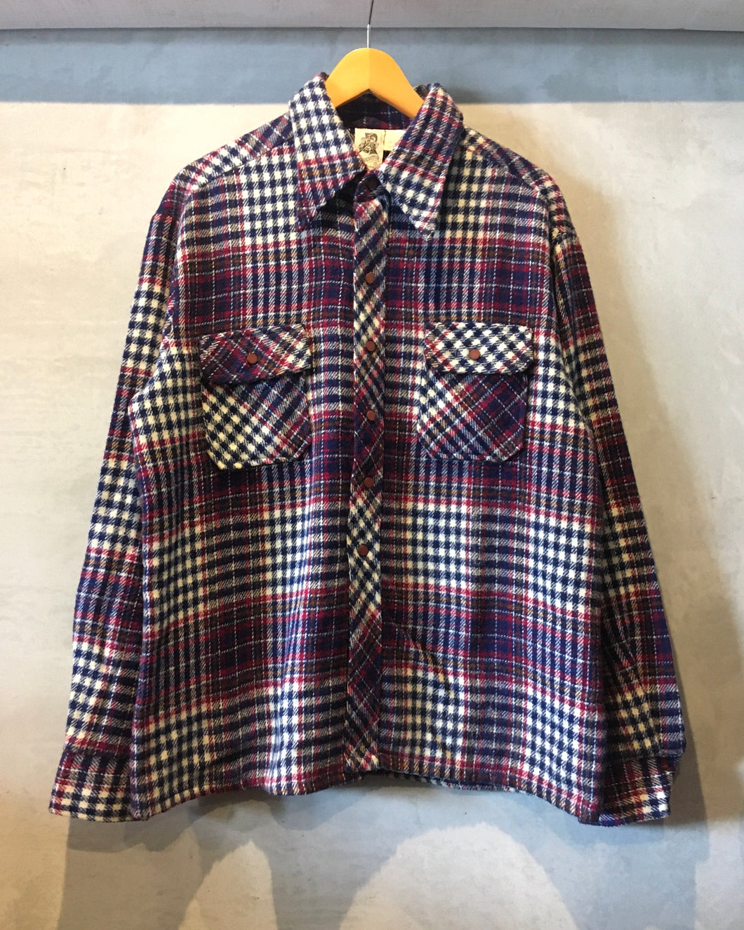 KENNINGTON-Shirt-(size XL)
