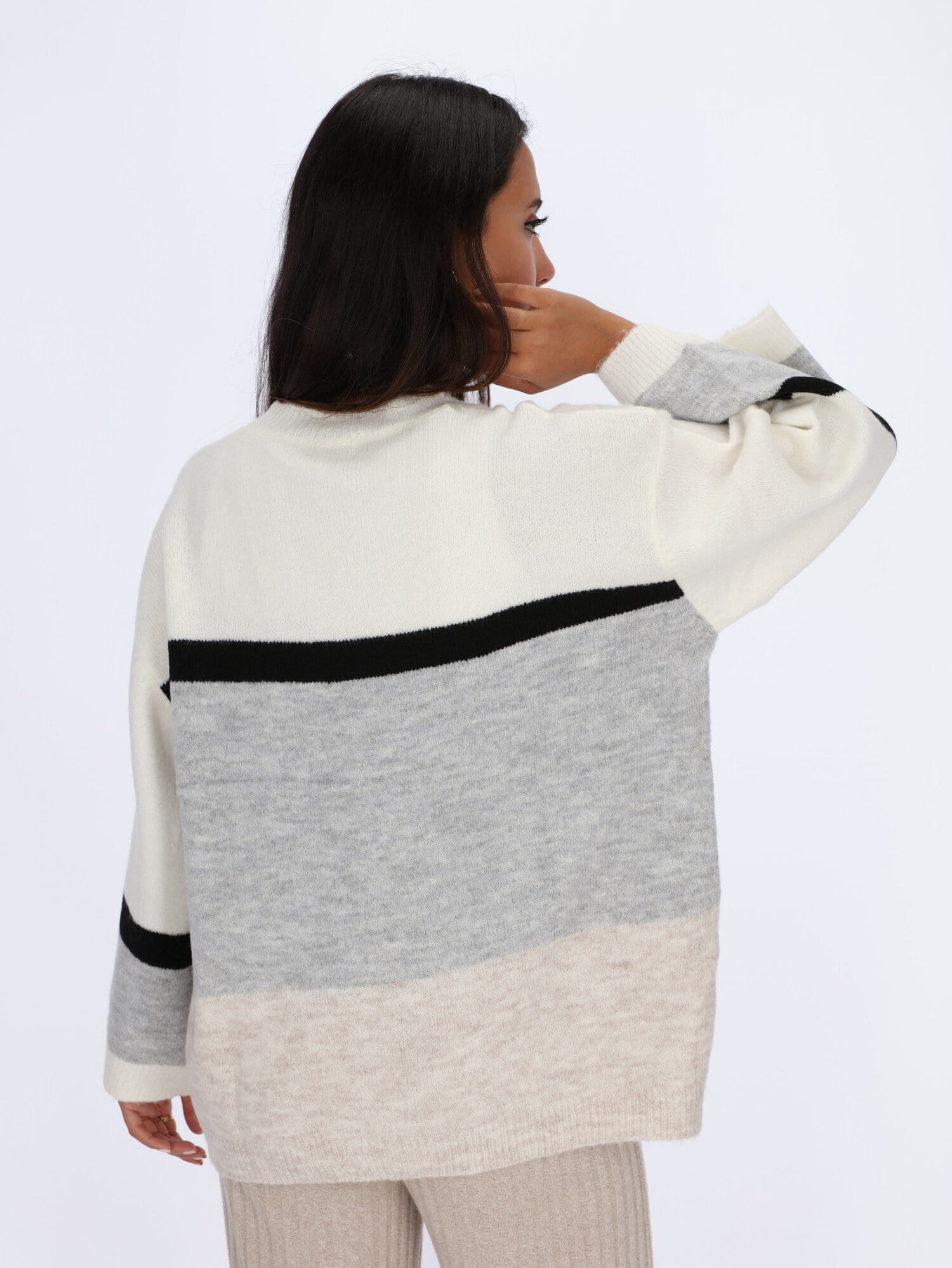 OR Knitwear Dropped Shoulder Color-Block Pullover