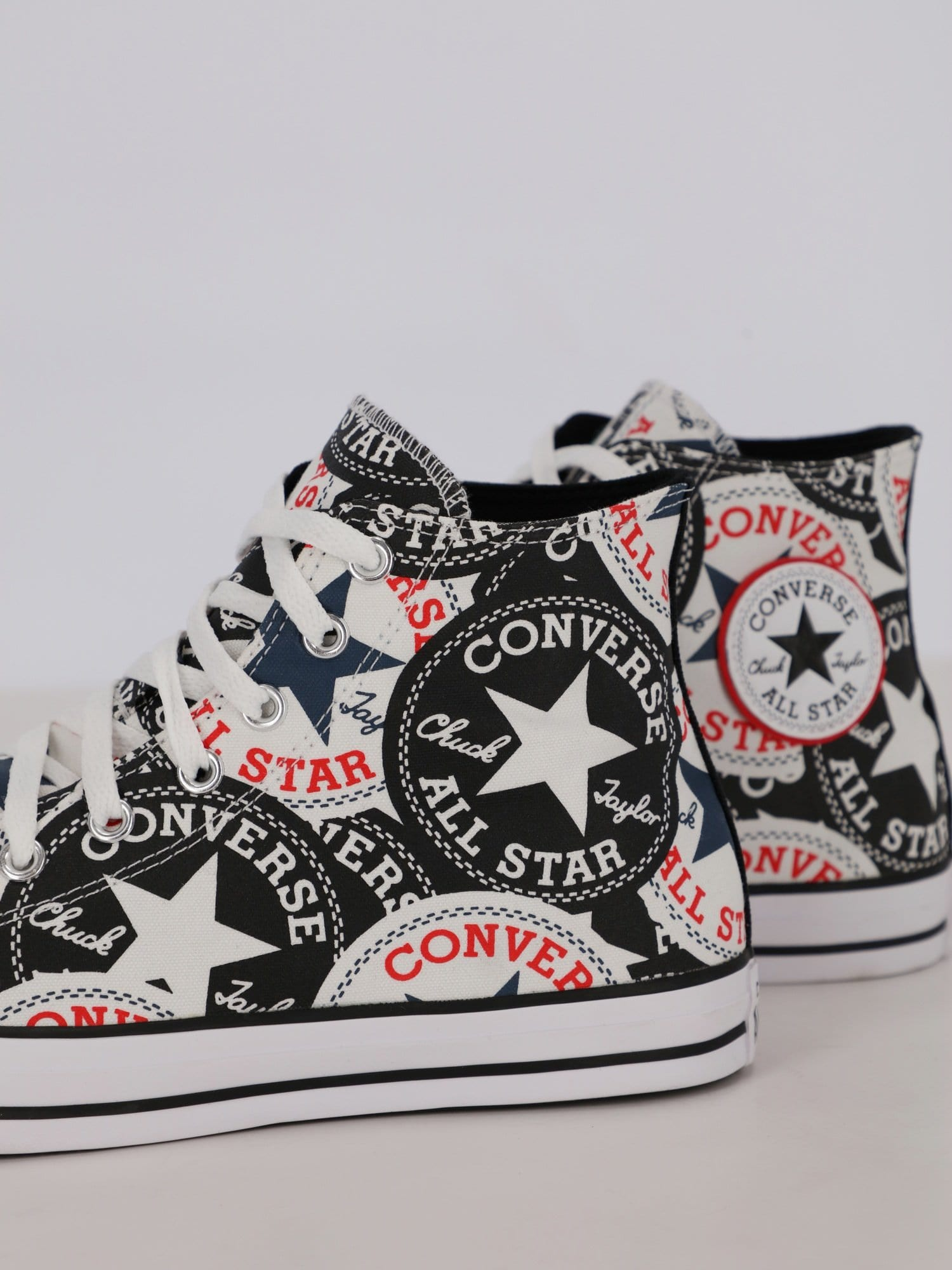 Converse Sneakers White / 44 Men's Logo Play Chuck Taylor All Star High Top Sneakers
