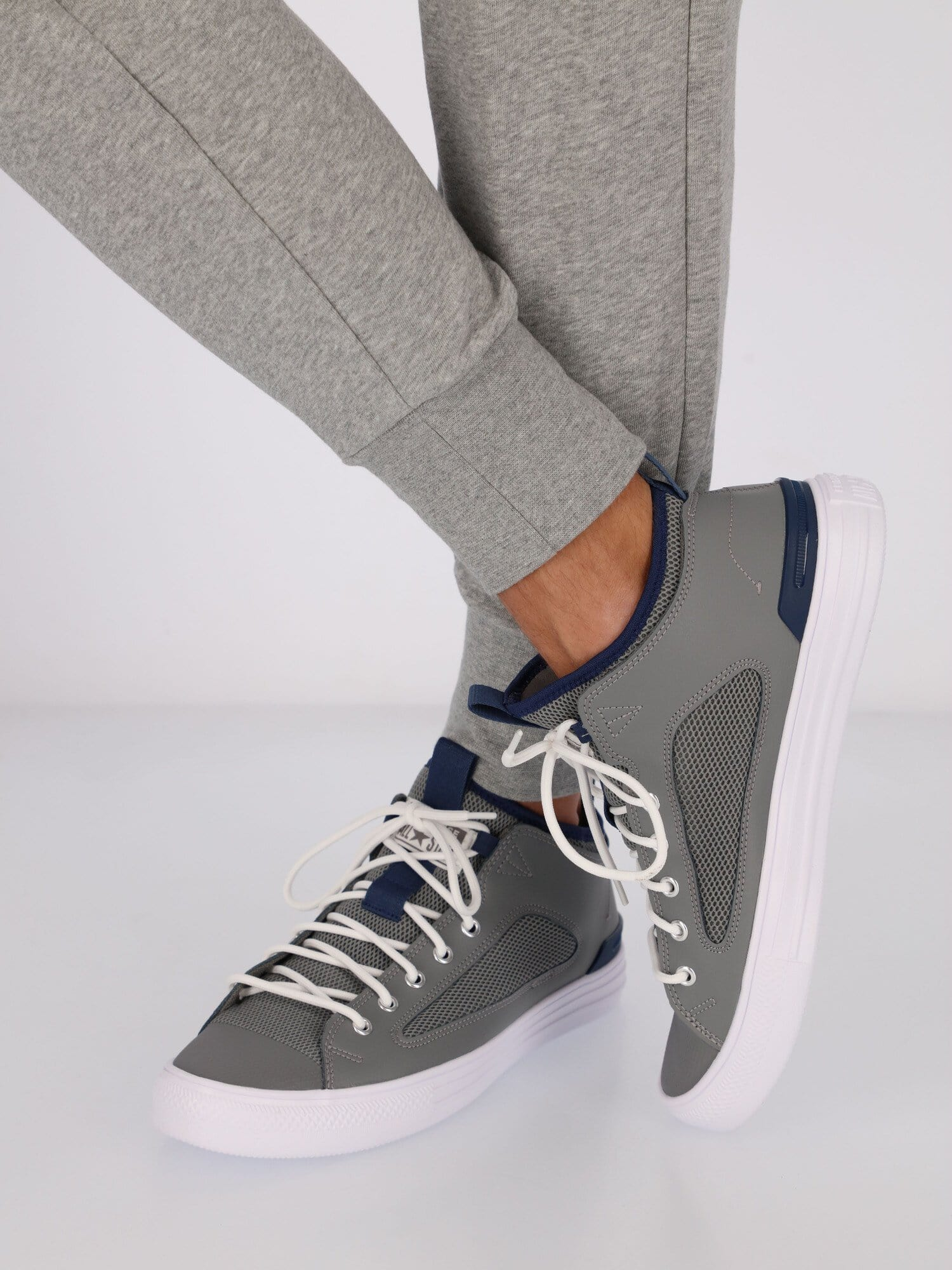 Converse Sneakers GREY / 44 Chuck Taylor All Star Ultra Unisex Sneakers