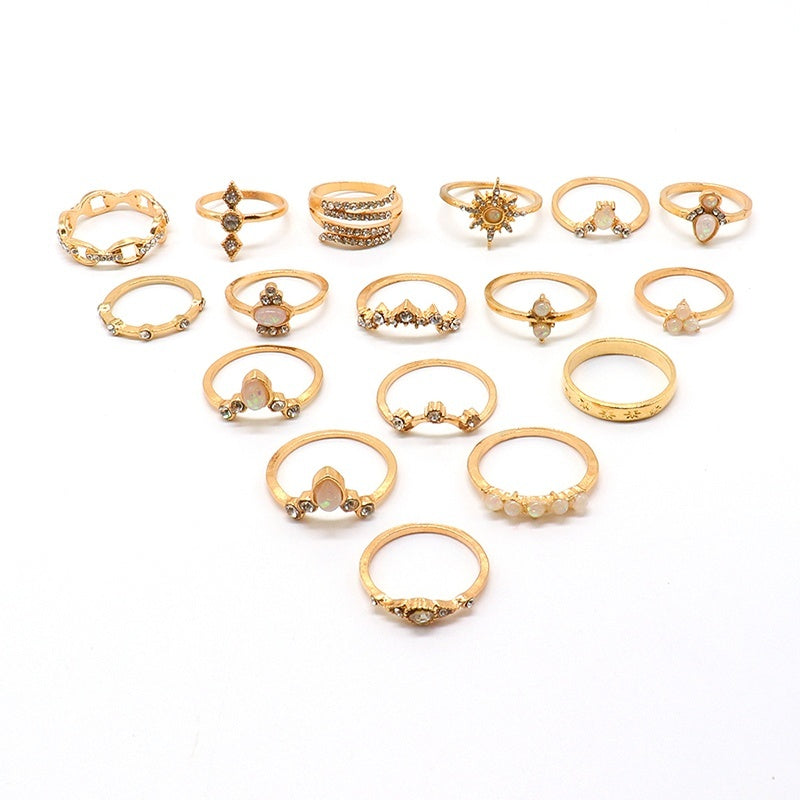 17 Pcs/ Set Female Personality Stars Wave Water Drops Crown Gemstone Crystal Round Geometric Gold Ring Exquisite Creative Party Clothing Jewelry Accessories