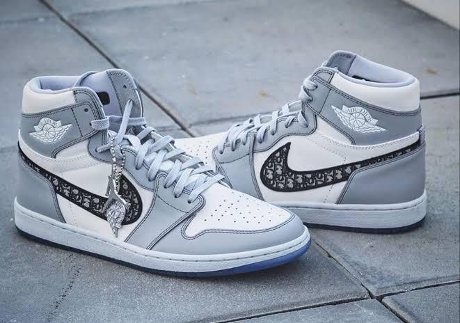 cerca Iniciativa travesura  Buy first copy Nike Air Jordan Retro 1 Dior shoes online | HYPESHOP