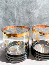 Load image into Gallery viewer, Snowflake Whiskey Glasses - Set of 2