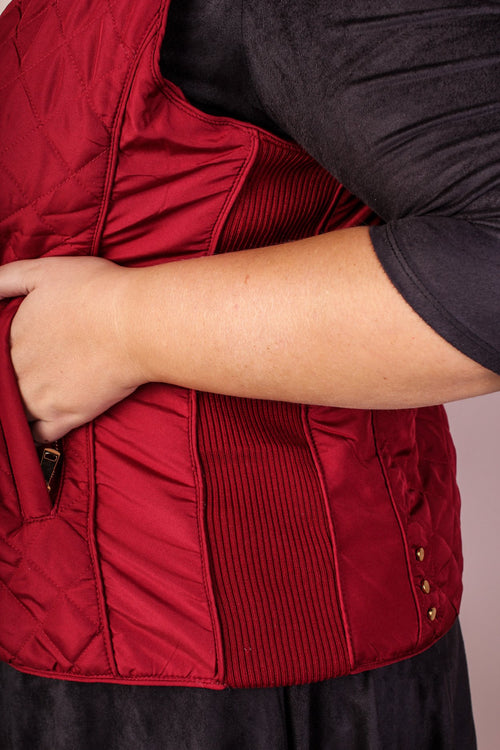 Alexis Quilted Vest - Burgundy