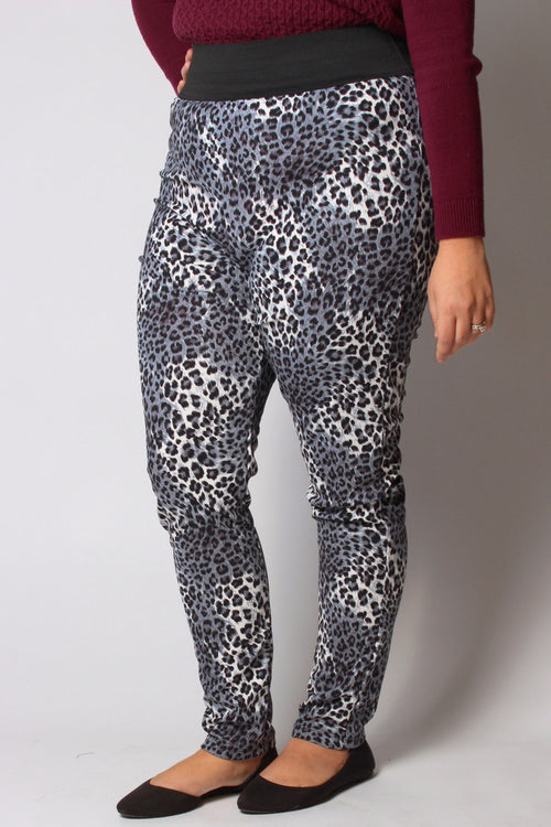 Plus Size Clothing for Women - Cheetah Print Active Leggings - Society+ - Society Plus - Buy Online Now! - 1