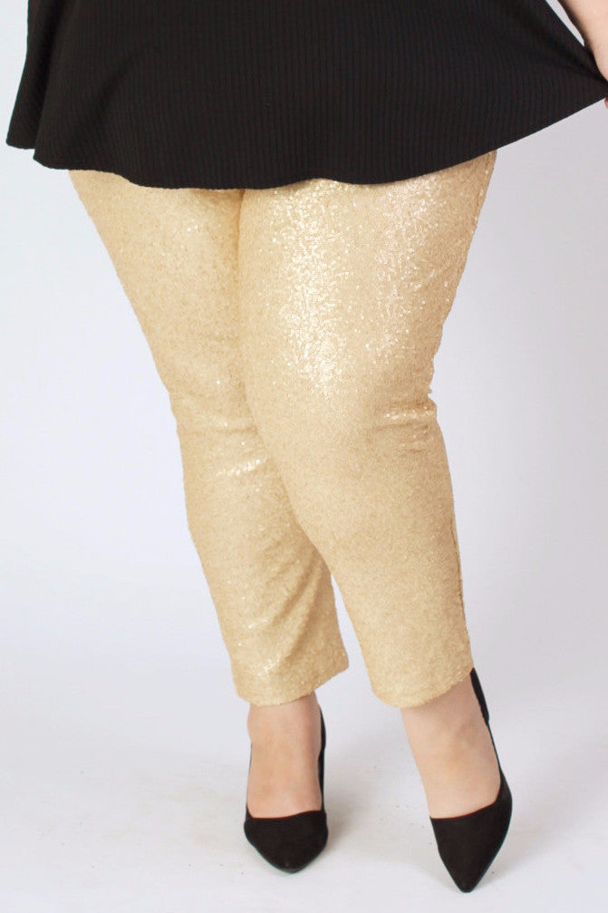 When we say we love sequins, we REALLY mean it! This sequin fabric was hand-picked by our Creative Director Jessica Kane for it's stretchiness and durability. While you may lose a few sequins from rubbing legs, these pants will truly last many wears if washed properly. The lining protects you from the sequin scratching yet is thin enough to wear you won't be sweating in an instant. Made from the Society+ trademark pattern which includes a high rise waist, roomy hip and thigh and snug leg fit. Modeled by Jessica Kane who is a size 26/28 and is wearing the size 26/28. She is 5'8