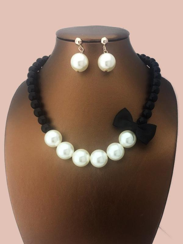 Pearl Bow Necklace & Earrings Set