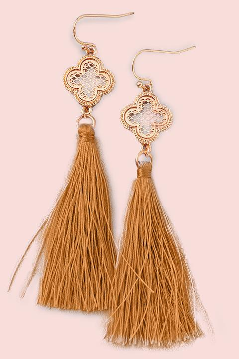 Clover Baby Tassel Earrings- Camel