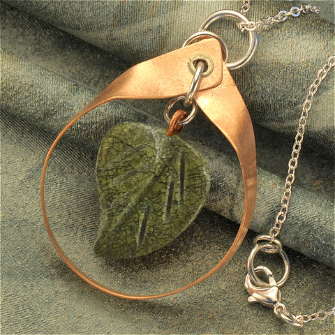 Leaf necklace in jasper / copper