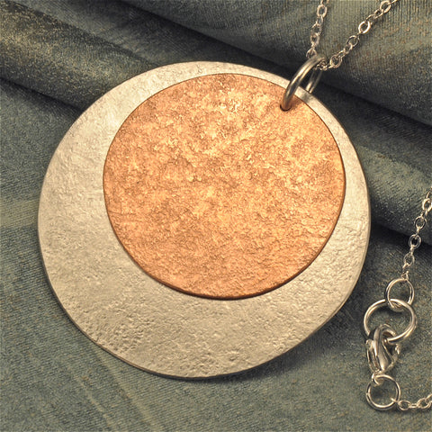 Round two-tone necklace