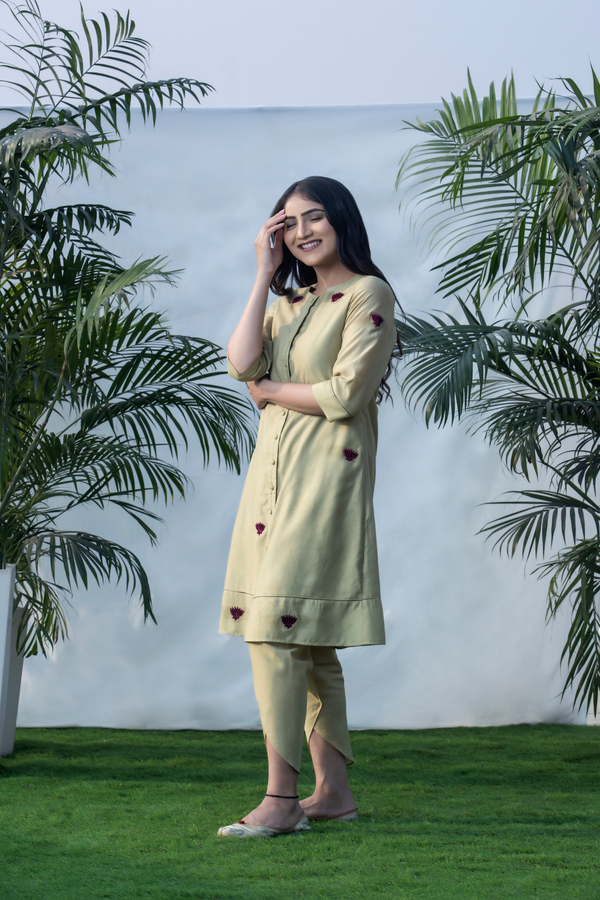 Velvet Lotus - Moss Green Buttoned Up Kurta Pants Set
