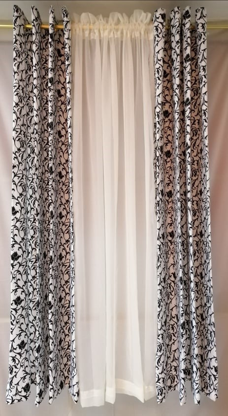 Pinky Vines Curtain Set